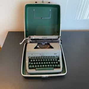 Lot # 249 - Vintage Royal typewriter with case