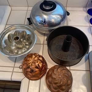 Lot # 269 - Vintage kitchen ware