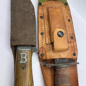 Lot # 308 - Two straight blade knives