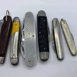 Lot # 310 - Pocket knives