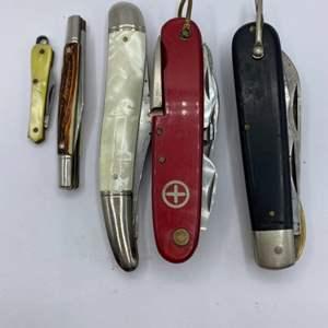 Lot # 312 - Pocket Knives