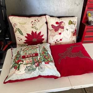 Lot # 68 - Christmas Pillows