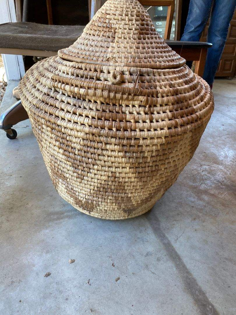Lot # 10 - Big Lidded Basket (main image)