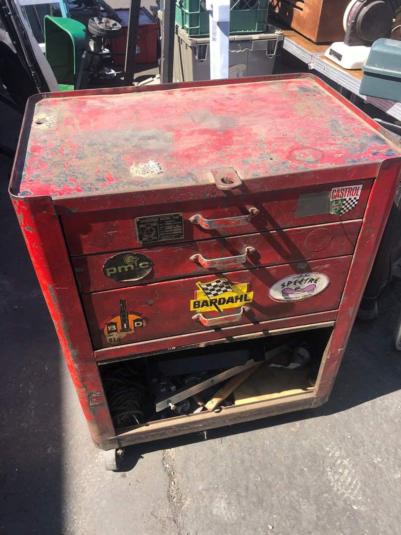 Lot # 18 - TOOL BOX WITH TOOLS (main image)