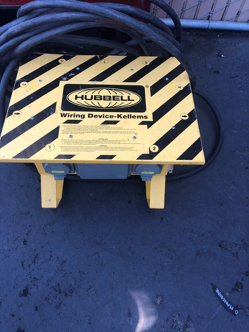 Lot # 26 - CONSTRUCTION  ELECTRICAL TOOL 6 PORT (main image)