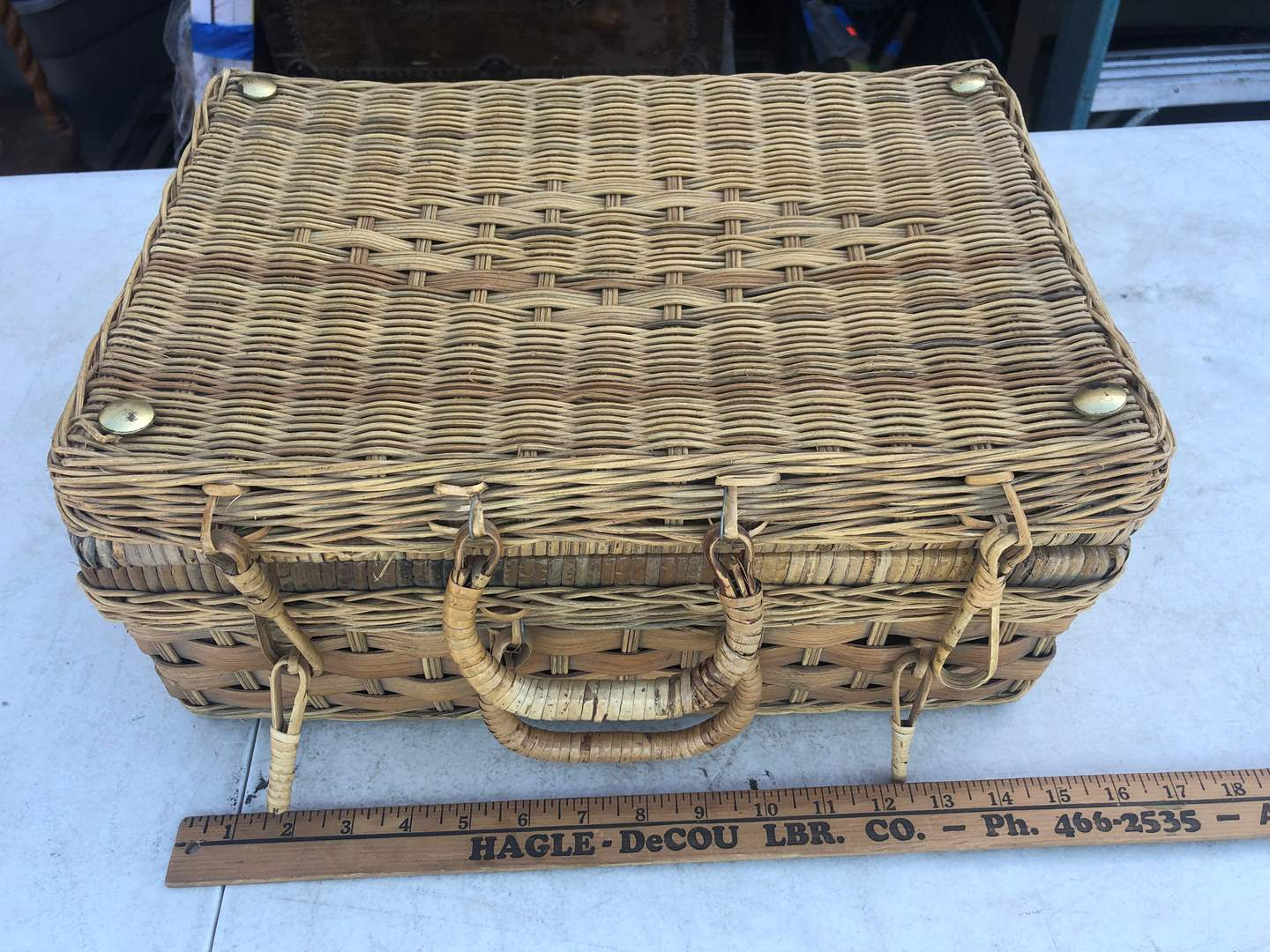 Lot # 48 - WICKER PICNIC BASKET (main image)