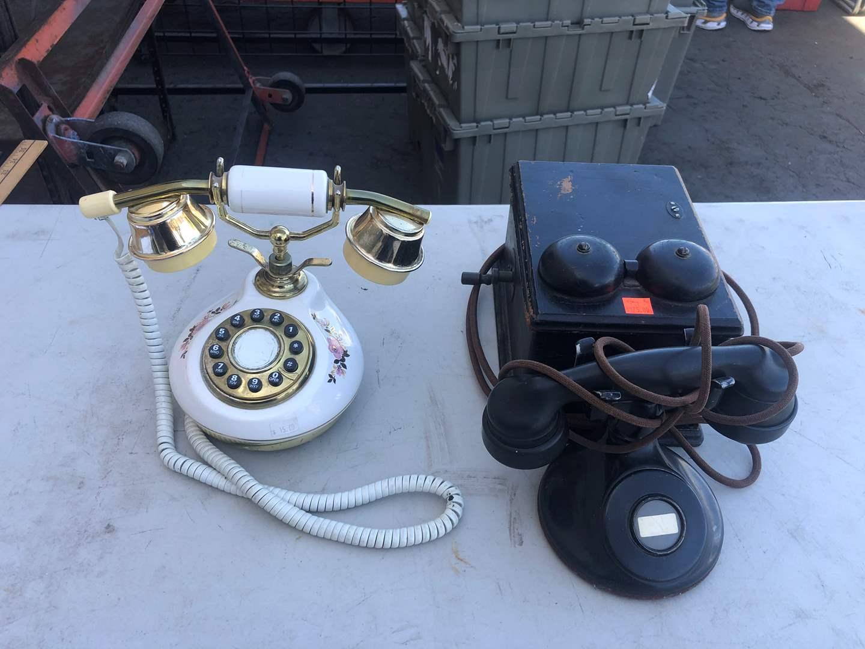 Lot # 77 - OLD PHONES (main image)