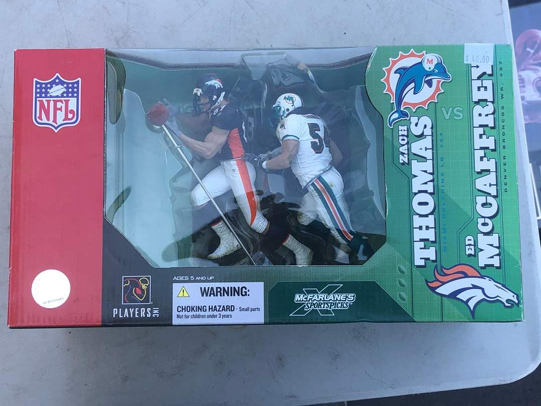 Lot # 81 - NFL FIGURINE COLLECTION (main image)