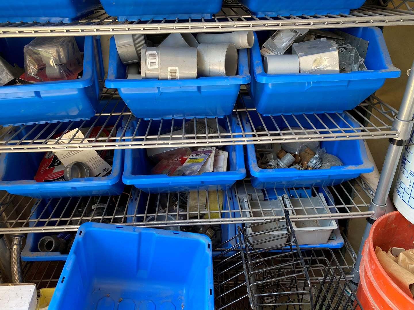 Lot # 63 - MISCELLANEOUS ELECTRICAL PARTS (main image)