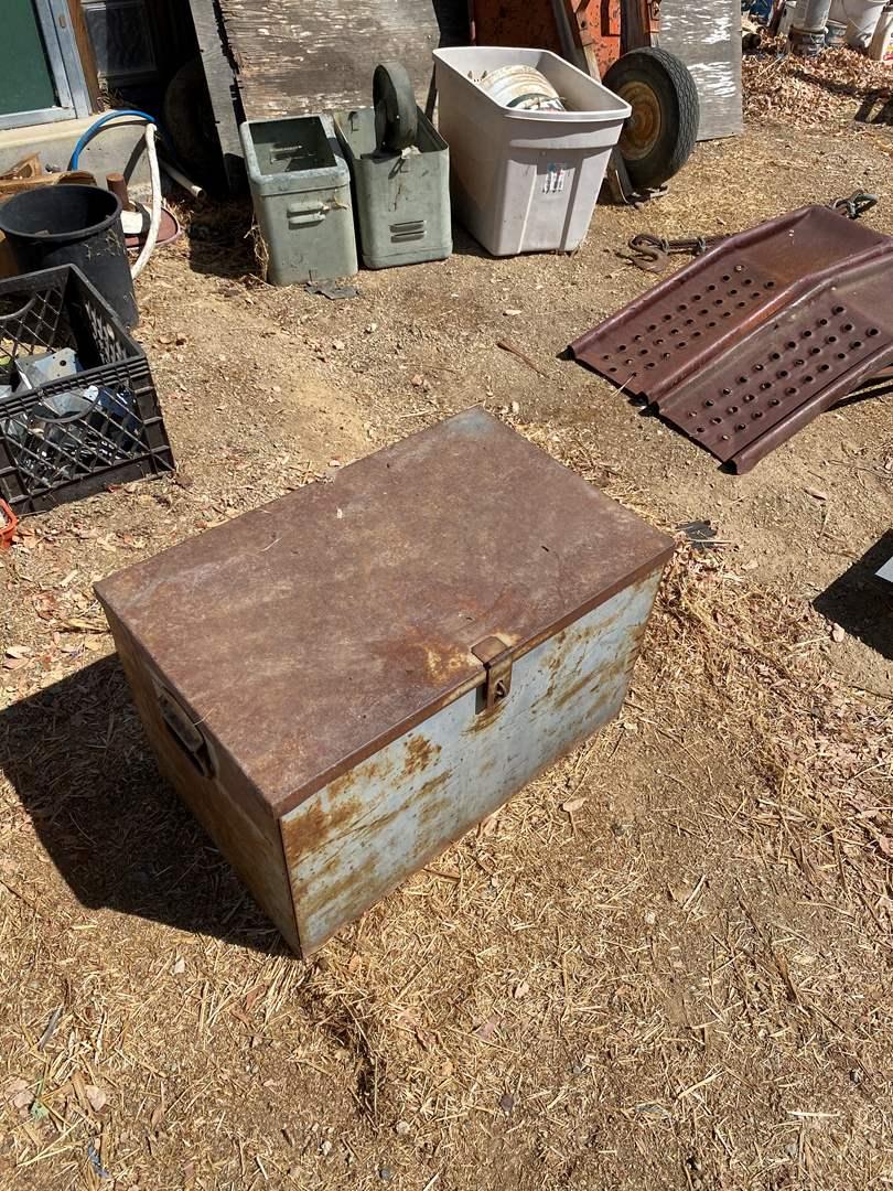Lot # 90 - METAL BOX (main image)