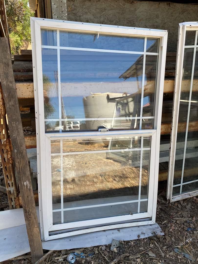 Lot # 112 - WINDOW 36 X 60 (main image)
