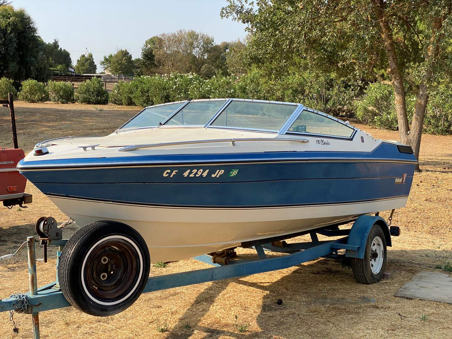 Lot # 118 - WELLCRAFT BOAT WITH TRAILER & MOTOR 170 (main image)