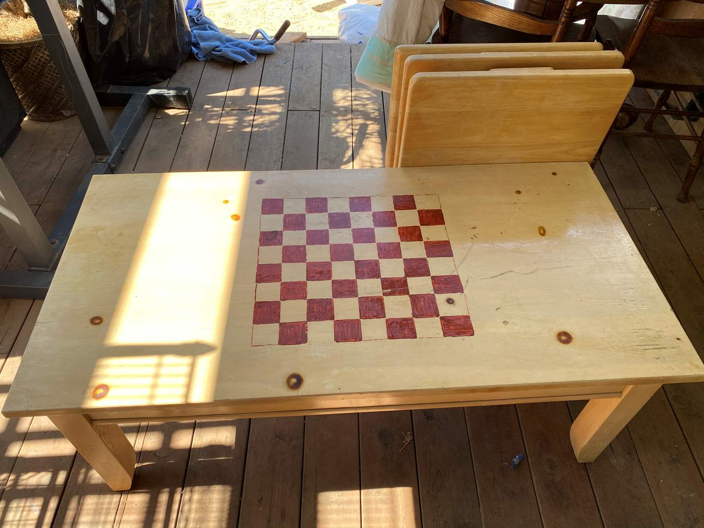 Lot # 204 - TV TRAYS & GAME TABLE (main image)