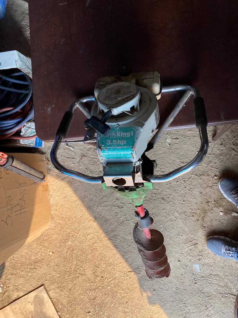 Lot # 232 - GAS POST HOLE DIGGER (main image)