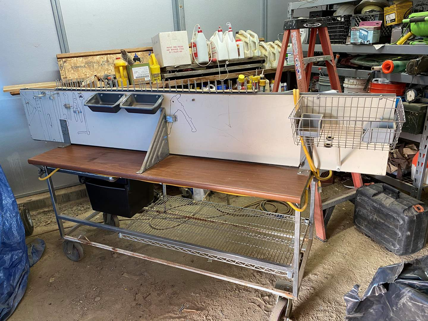 Lot # 234 - TABLE SAW ON ROLLING CART (main image)
