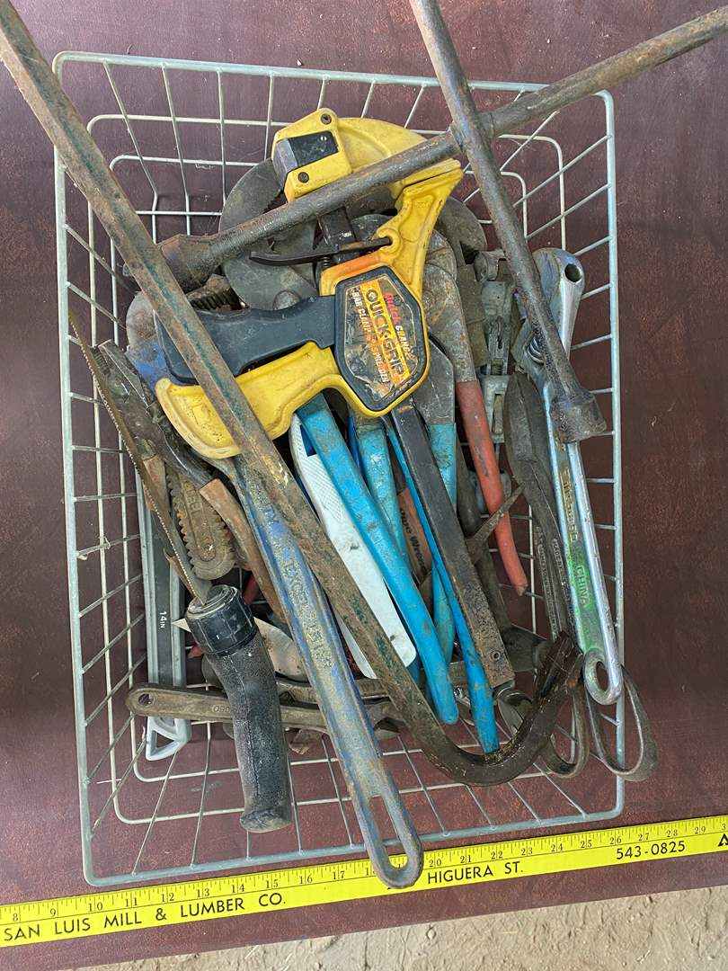 Lot # 283 - TOOLS (main image)