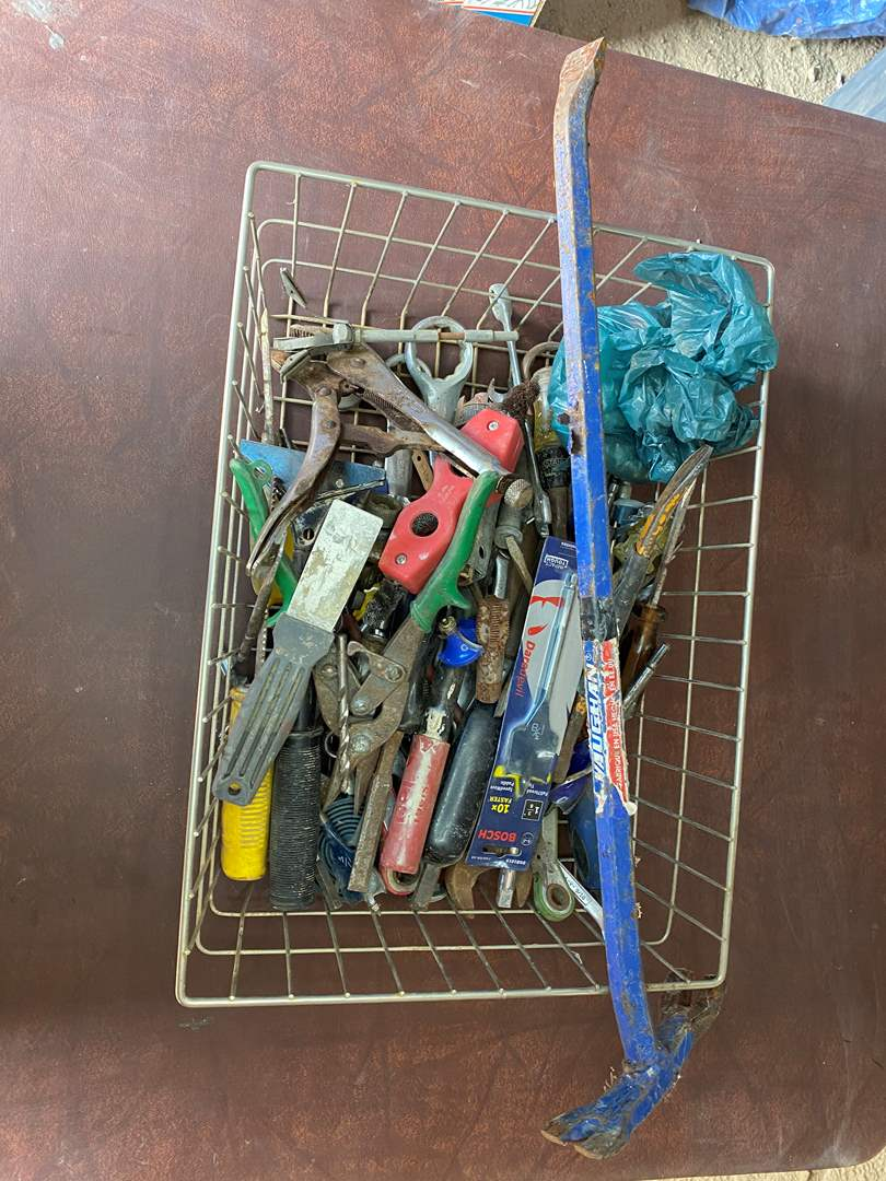 Lot # 289 - TOOLS (main image)