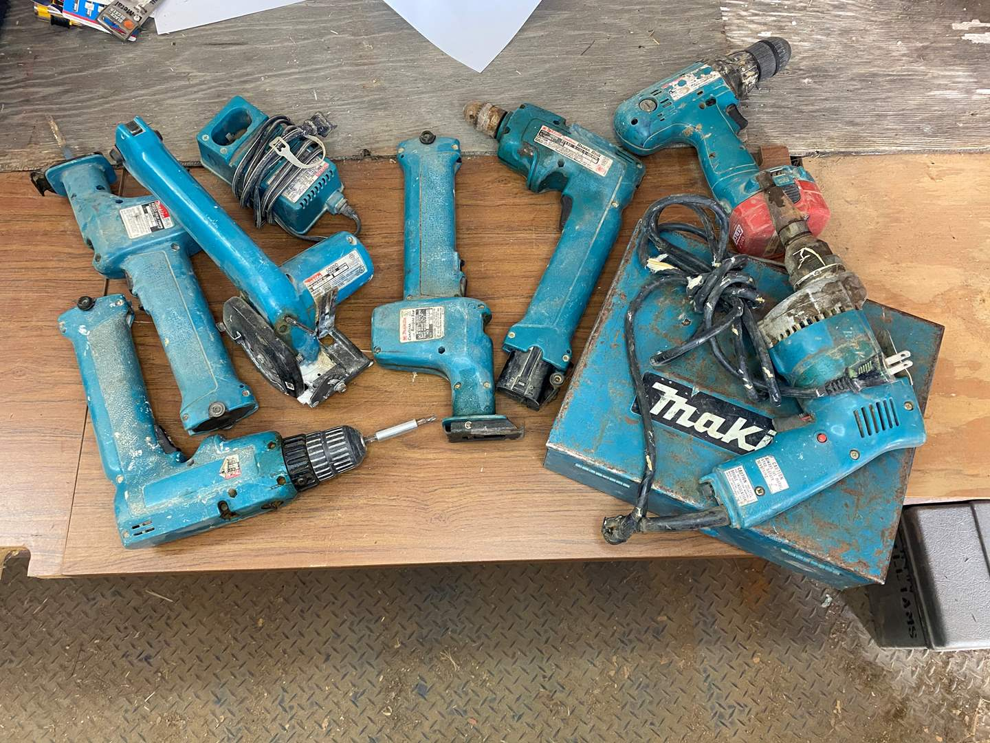 Lot # 299 - MAKITA BATTERY OPERATED TOOLS (main image)