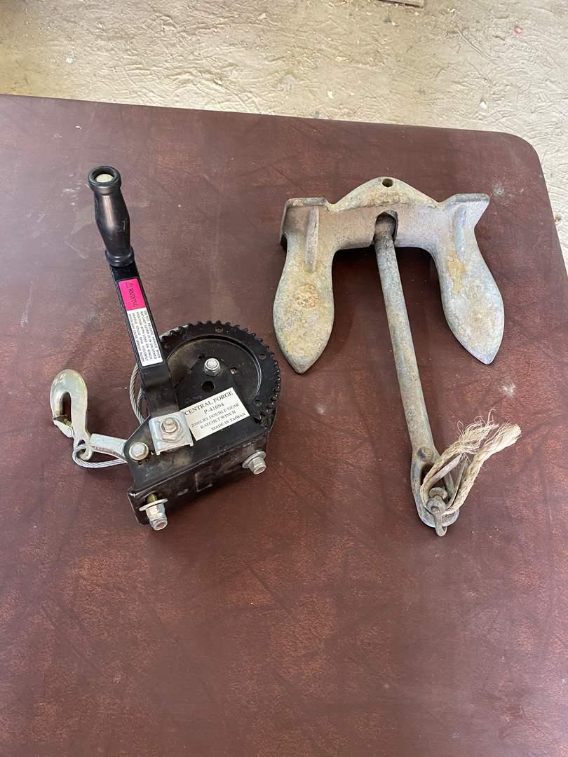 Lot # 322 - 20# ANCHOR AND 2000# RATCHET WINCH (main image)