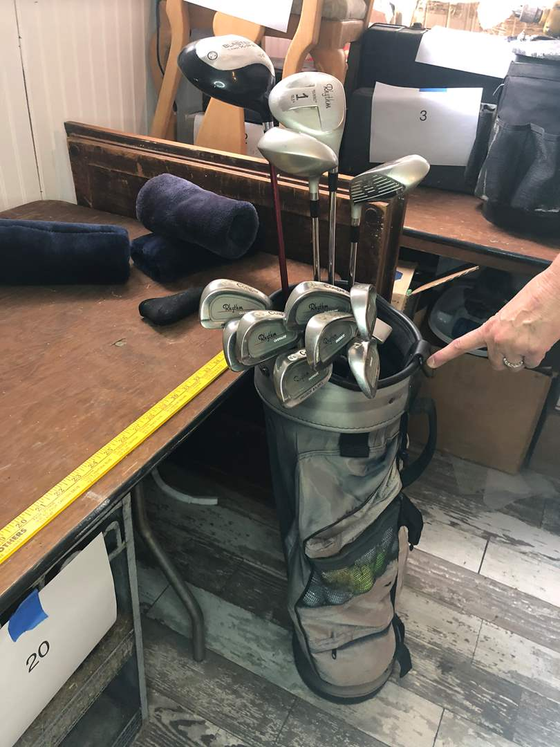 Lot # 24 - FULL SET OF GOLF CLUBS WITH BAG (main image)