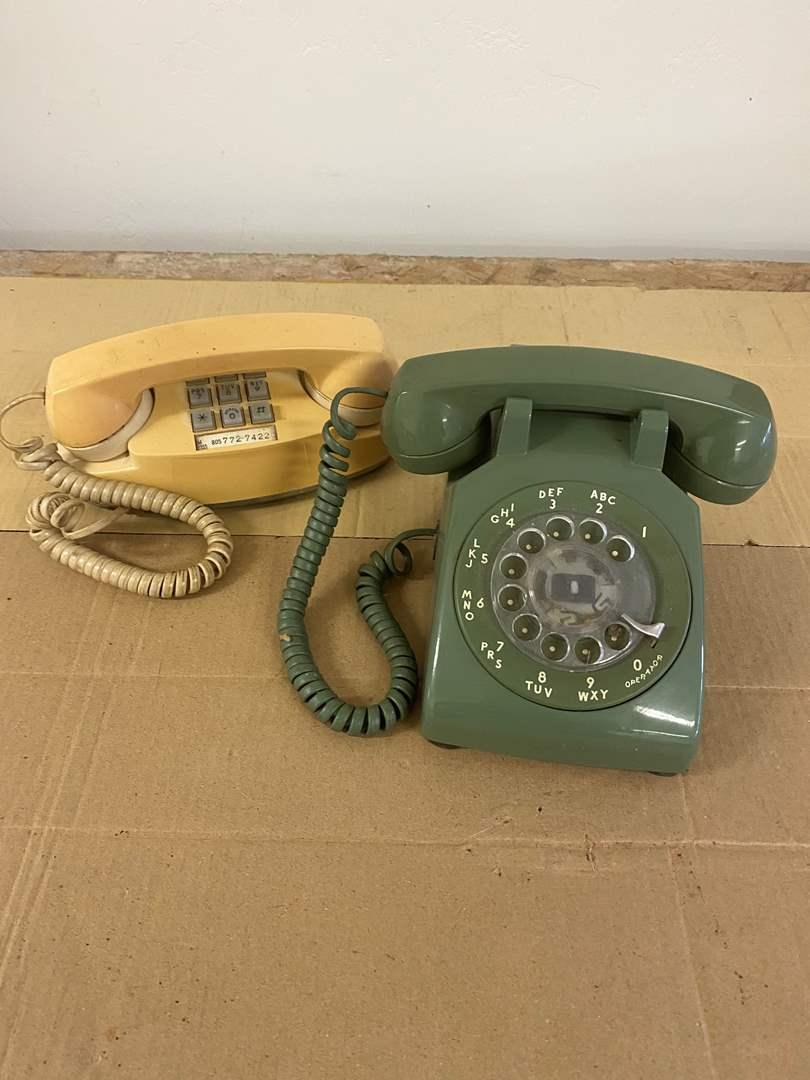 Lot # 27 - VINTAGE PHONES (main image)