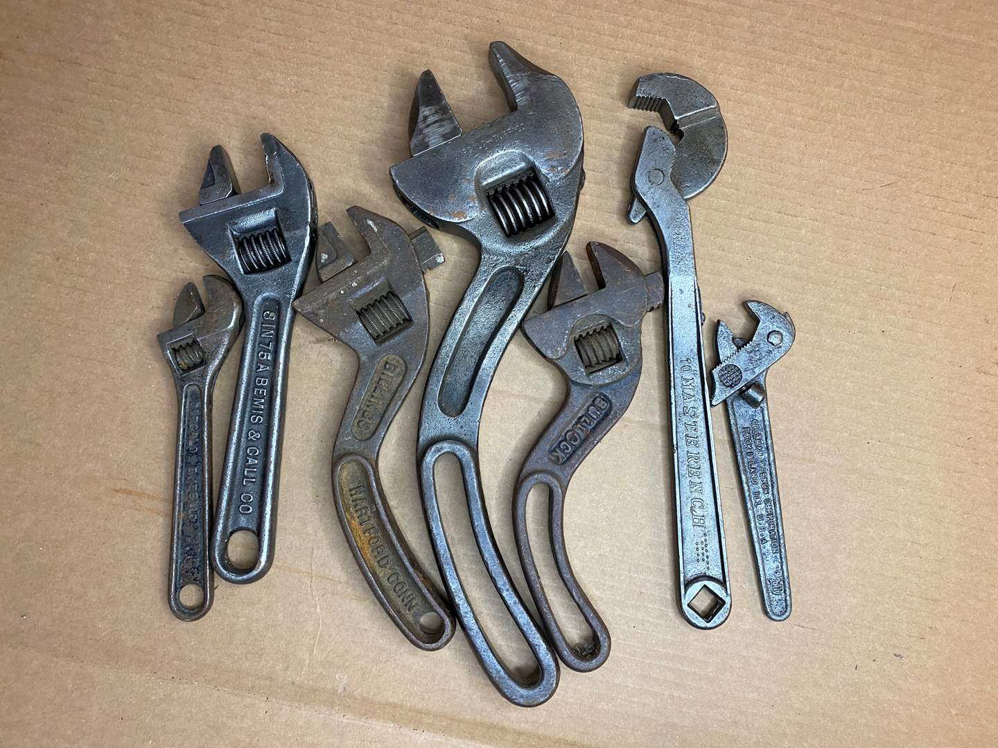 Lot # 41 - VINTAGE ASSORTED WRENCHES  (main image)