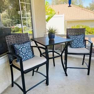Lot # 1- Quaint metal patio furniture