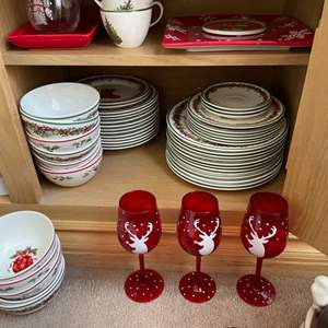 Lot # 13- Holiday kitchenware and a brand new Ralph Lauren tablecloth!