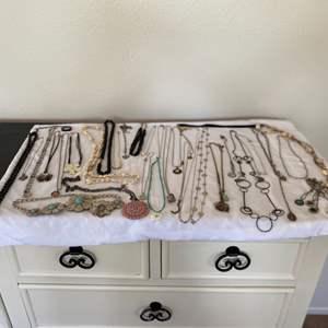 Lot # 98- Fun necklace lot!