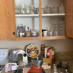 Lot#17- Baking Lot with Vintage Sunbeam Mixer!