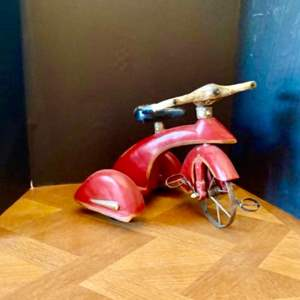 Lot#48- Red Sky King Tricycle Replica