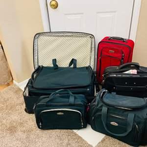 Lot#55- Lets Travel- Ricardo Five-Piece Luggage Set!