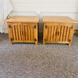 Lot#136- Set of 2 End Tables