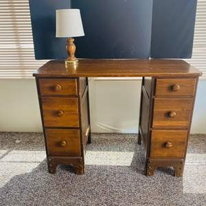 Lot#143- Cute Vintage Desk with Lamp!