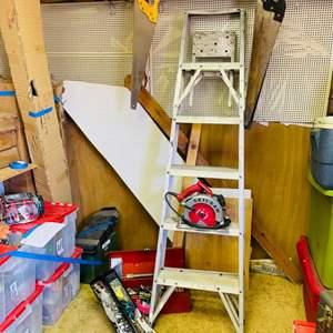 Lot # 313- Nice Garage Lot! Ladder, skill saw