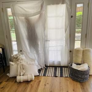 Lot # 33- Assorted Home Decor