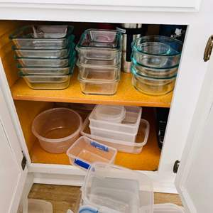 Lot # 56- Pyrex Glass Bowls + Baking Items
