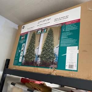 Lot # 108-9ft Christmas Tree