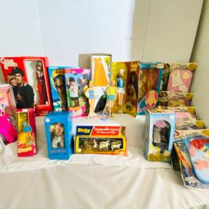 Lot # 250-Vintage Barbie Dolls, collectible Paper dolls ~See all Pictures