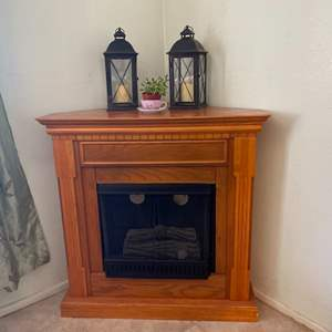 Lot # 1- Faux Fireplace For Deco Corner + 2 Candle Lanterns