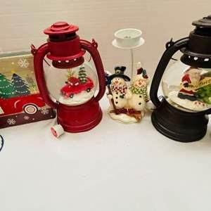 Lot # 28- Christmas Luminaries/Decorations