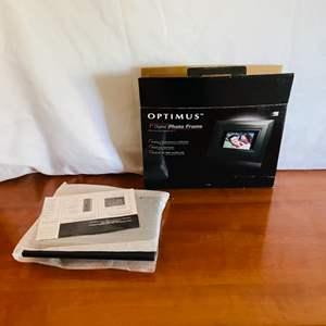 Lot # 75- Optimus Digital Photo Frame